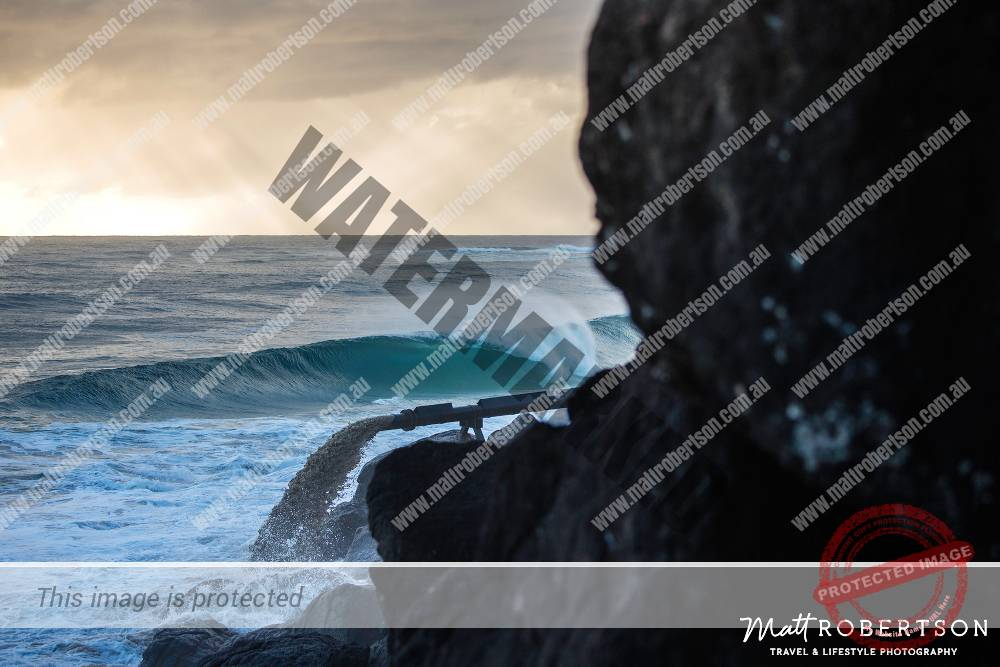 mattrobertson_wavesVONE015