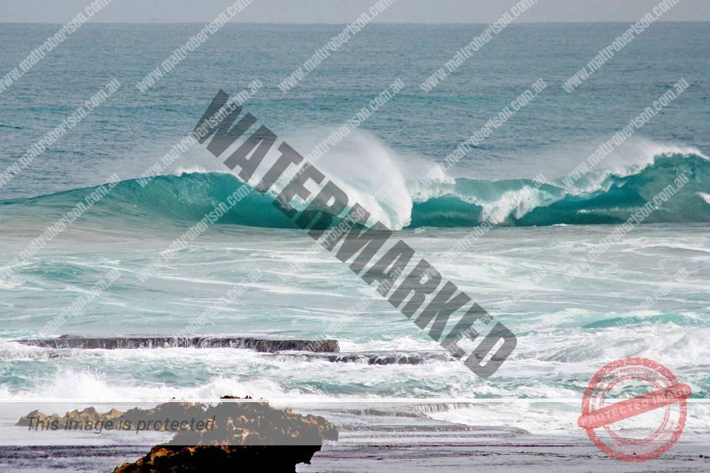 mattrobertson_wavesVONE022