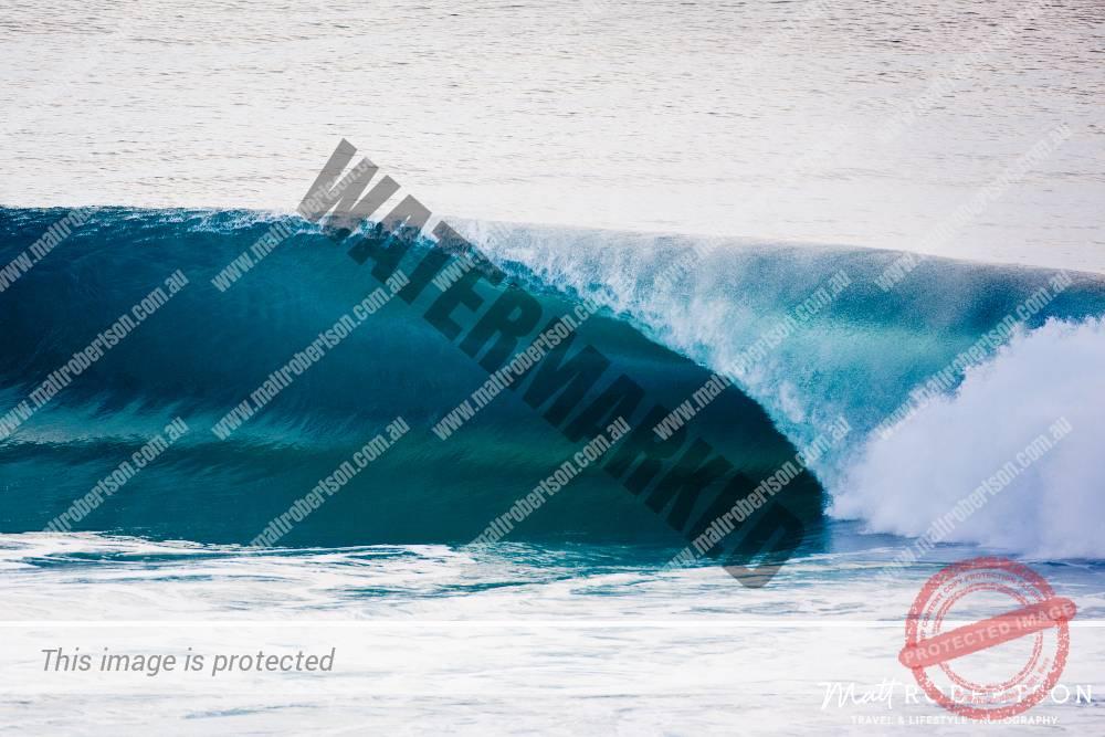 mattrobertson_wavesVONE025