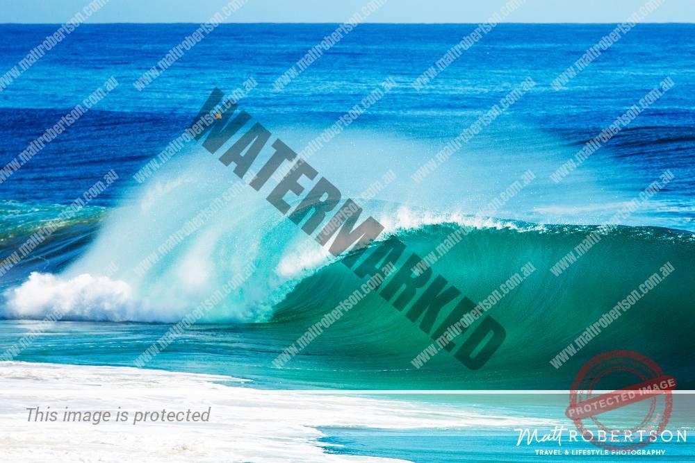 mattrobertson_wavesVONE034