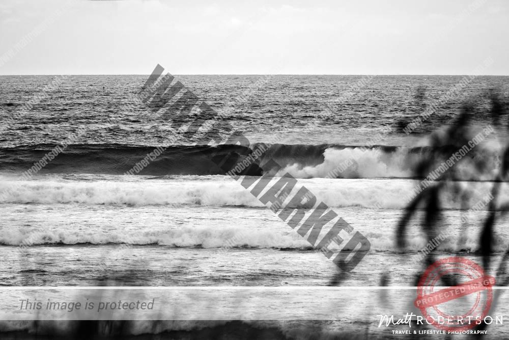 mattrobertson_wavesVONE036