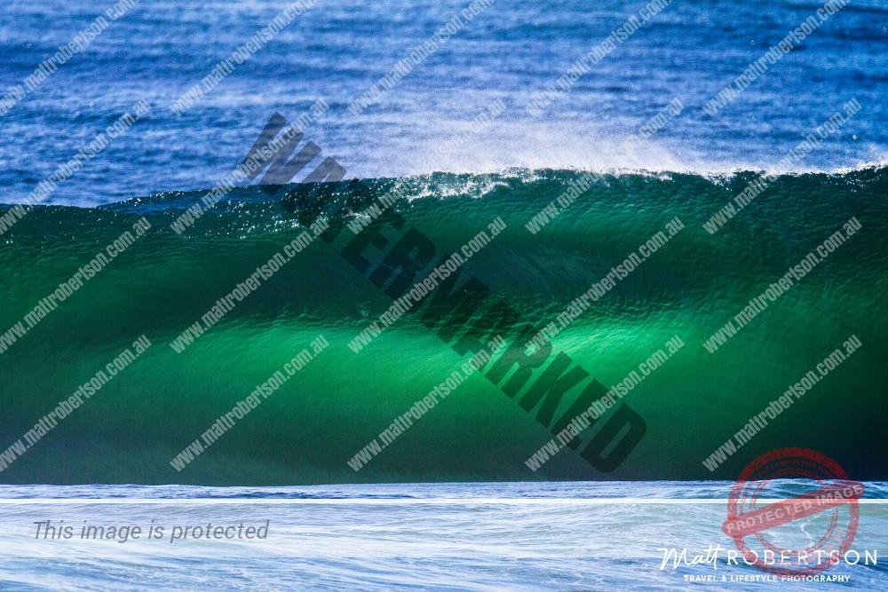 mattrobertson_wavesVONE040
