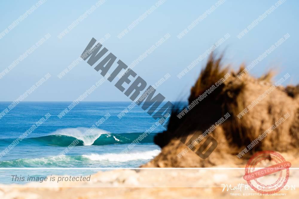 mattrobertson_wavesVONE046